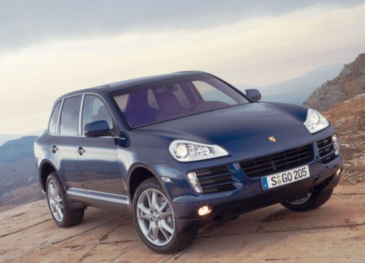 Porsche Cayenne Turbo – Long Test Drive - Foto 8 di 57