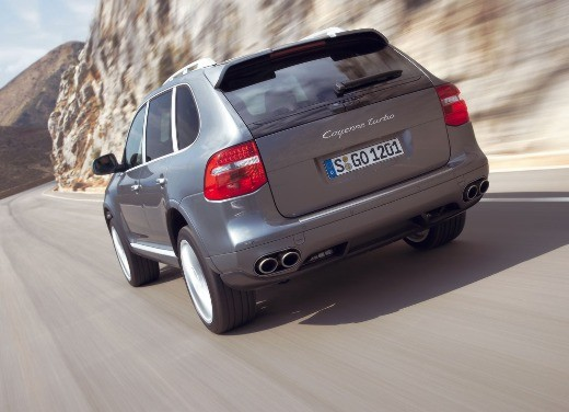 Porsche Cayenne Turbo – Long Test Drive - Foto 9 di 57