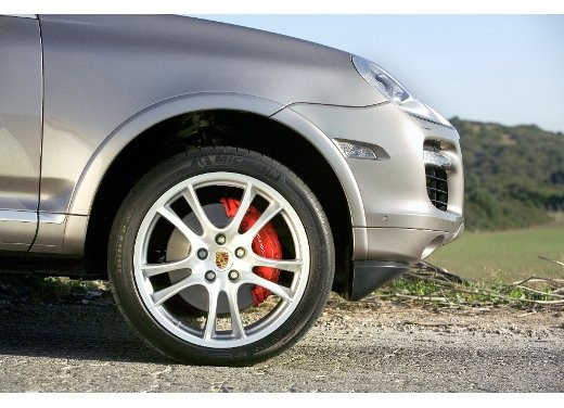 Porsche Cayenne Turbo – Long Test Drive - Foto 17 di 57