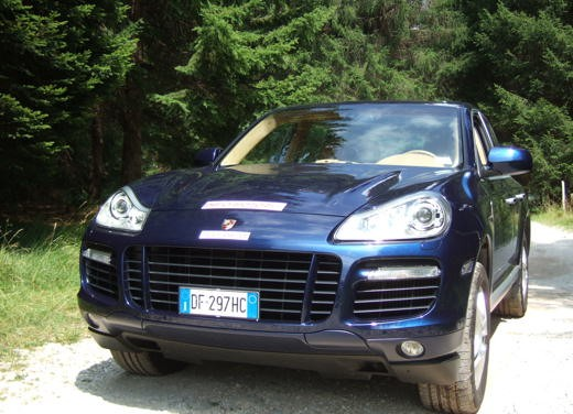 Porsche Cayenne Turbo – Long Test Drive - Foto 42 di 57