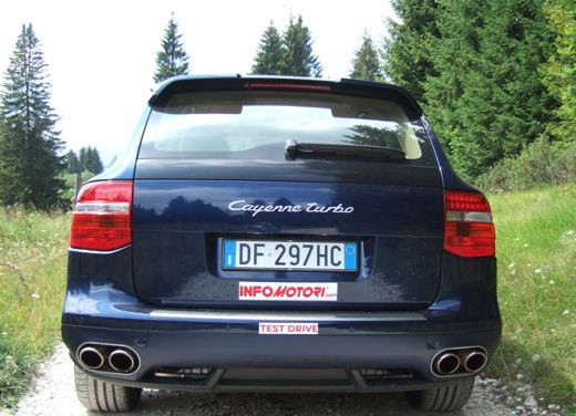 Porsche Cayenne Turbo – Long Test Drive - Foto 52 di 57