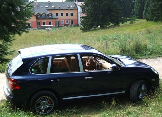 Porsche Cayenne Turbo – Long Test Drive - Foto 53 di 57