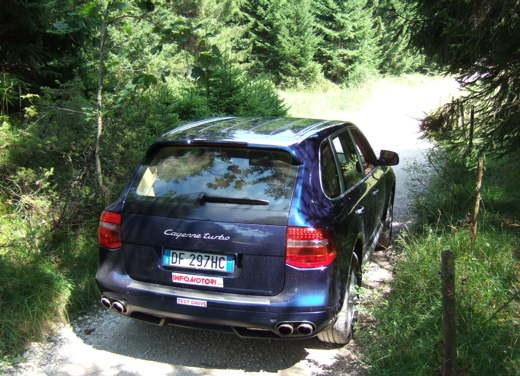 Porsche Cayenne Turbo – Long Test Drive - Foto 36 di 57