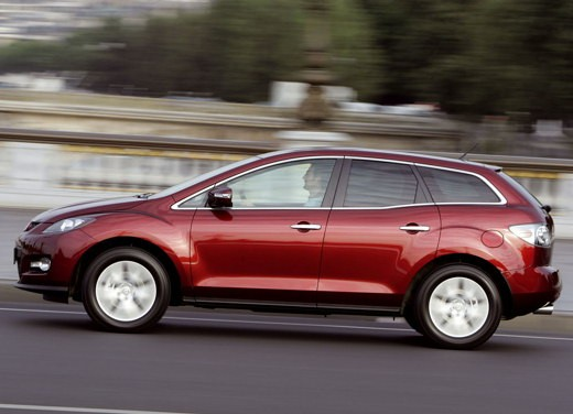 Nuova Mazda CX-7 – Long Test Drive - Foto 10 di 57
