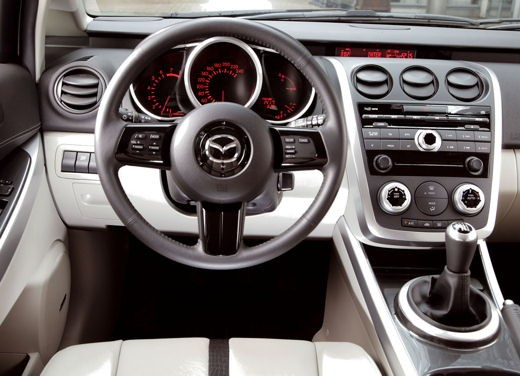Nuova Mazda CX-7 – Long Test Drive - Foto 22 di 57