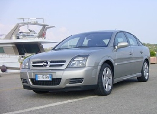 Opel Vectra GTS: Test Drive