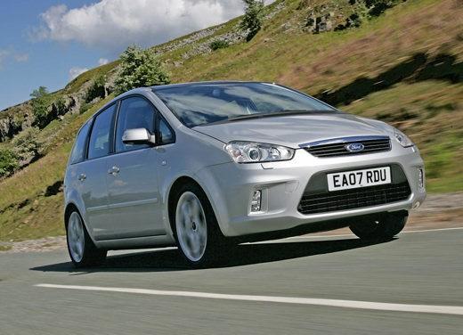 Ford nuova C-Max – Test Drive per la familiare rinnovata nell'estetica