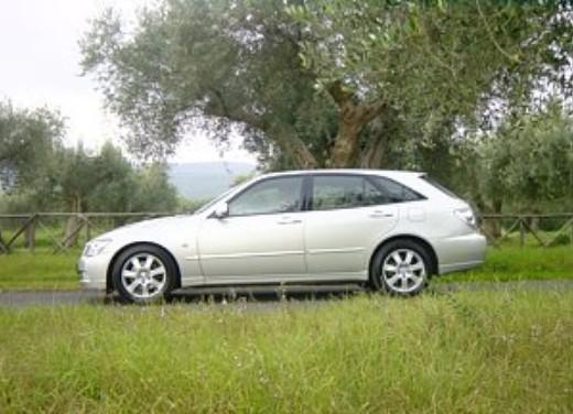 Lexus IS200 Wagon: Test Drive - Foto 7 di 8