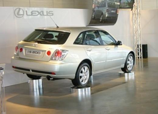 Lexus IS200 Wagon: Test Drive - Foto 8 di 8