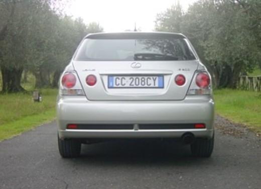 Lexus IS200 Wagon: Test Drive - Foto 4 di 8