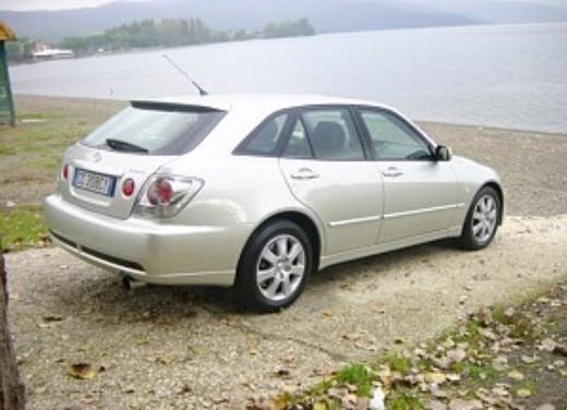 Lexus IS200 Wagon: Test Drive - Foto 6 di 8