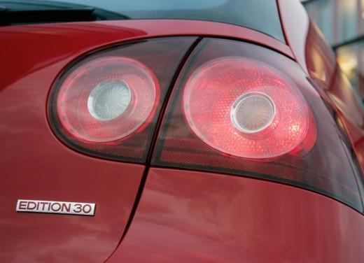 Volkswagen Golf GTI 30 Edition - Foto 6 di 8