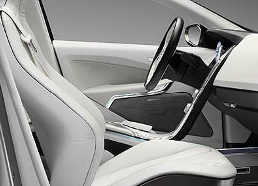 Volvo XC60 Concept - Foto 17 di 22