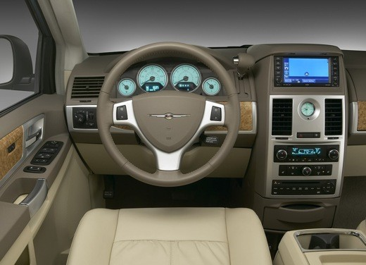 Ultimissima: Chrysler nuovo Voyager 2008 - Foto 15 di 21