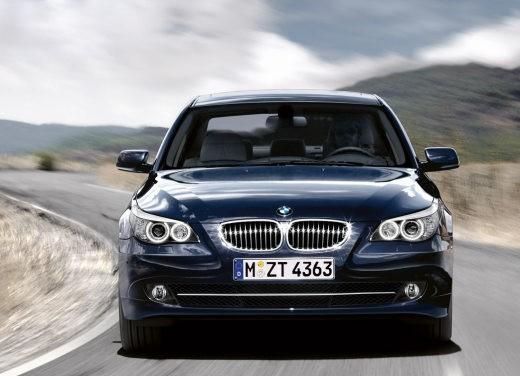 BMW Serie 5 Facelift - Foto 4 di 18
