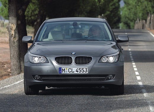 BMW Serie 5 Facelift - Foto 11 di 18