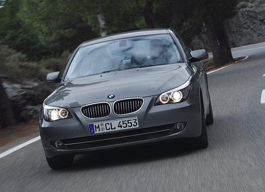 BMW Serie 5 Facelift - Foto 12 di 18