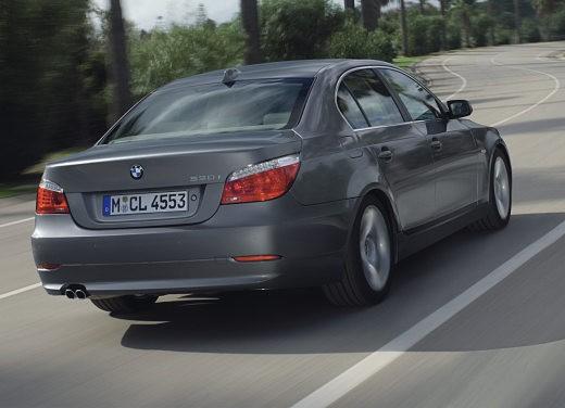 BMW Serie 5 Facelift - Foto 13 di 18
