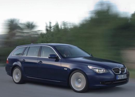 BMW Serie 5 Facelift - Foto 14 di 18