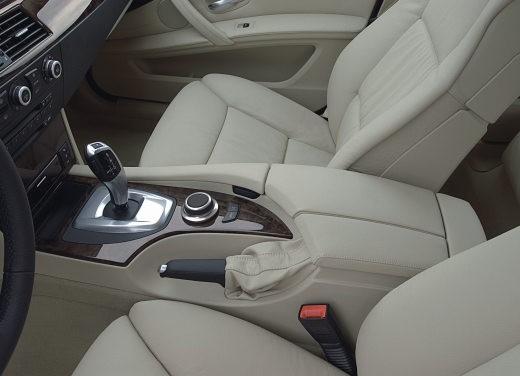 BMW Serie 5 Facelift - Foto 16 di 18