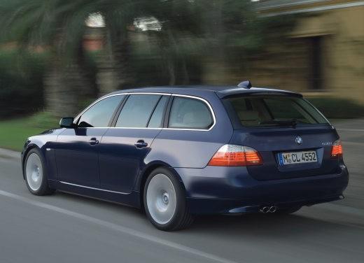 BMW Serie 5 Facelift - Foto 17 di 18