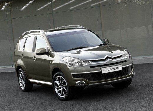 Citroen C-Crosser - Long Test Drive
