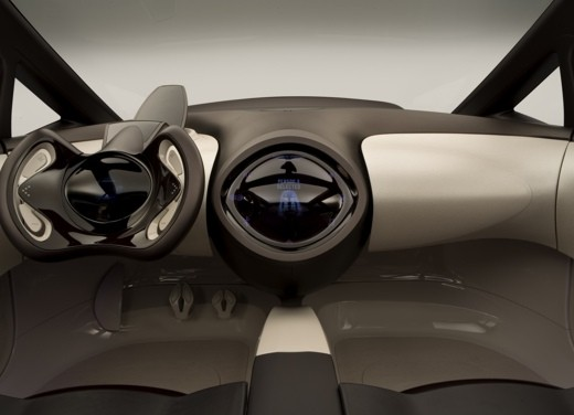 Toyota Hybrid X - Foto 2 di 12