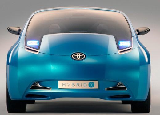 Toyota Hybrid X - Foto 9 di 12