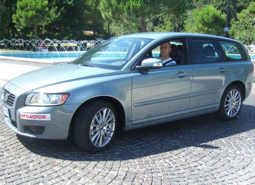 Volvo V50 facelift – Long Test Drive - Foto 2 di 54