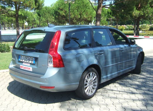Volvo V50 facelift – Long Test Drive - Foto 11 di 54