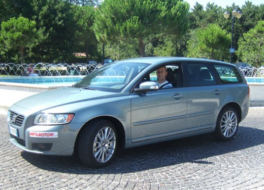 Volvo V50 facelift – Long Test Drive - Foto 17 di 54