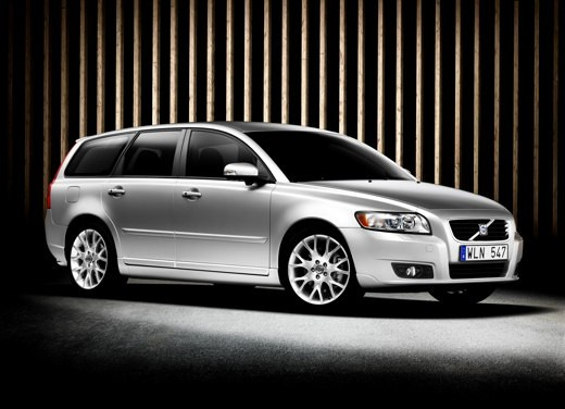 Volvo V50 facelift – Long Test Drive - Foto 40 di 54
