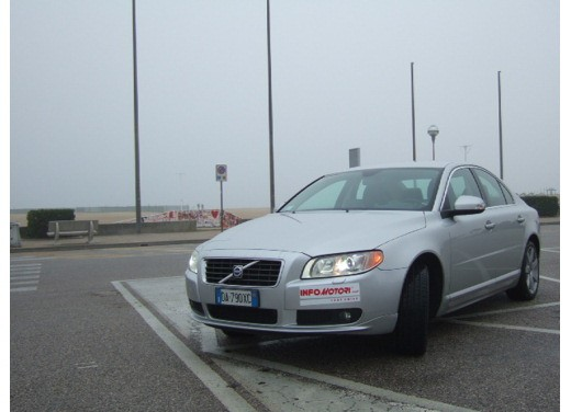Volvo S80 D5 – Long Test Drive - Foto 13 di 21