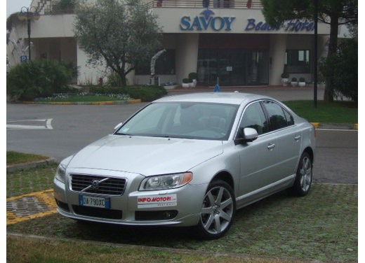 Volvo S80 D5 – Long Test Drive - Foto 17 di 21