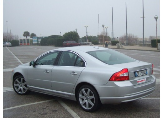 Volvo S80 D5 – Long Test Drive - Foto 4 di 21