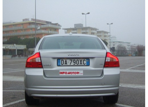 Volvo S80 D5 – Long Test Drive - Foto 5 di 21