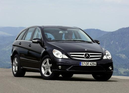 Ultimissima: Mercedes Classe R restyling - Foto 1 di 6