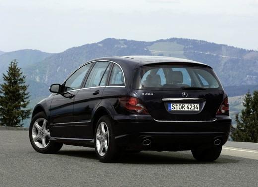 Ultimissima: Mercedes Classe R restyling - Foto 4 di 6