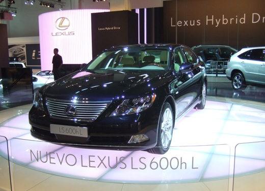 Lexus al Salone di Barcellona 2007 - Foto 2 di 10