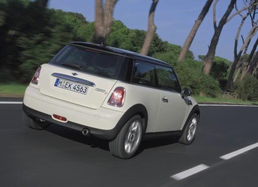 Fiat nuova 500 Vs Mini - Foto 13 di 39