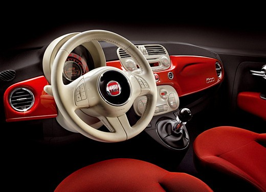 Fiat nuova 500 Vs Mini - Foto 1 di 39