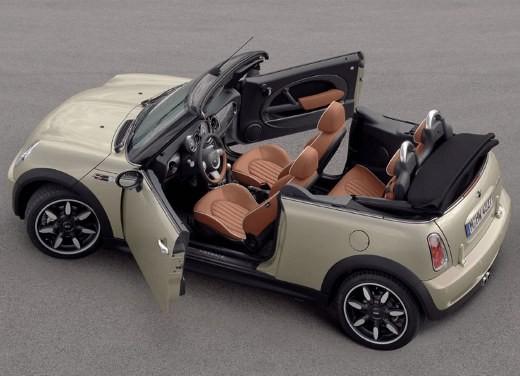 Fiat nuova 500 Vs Mini - Foto 28 di 39