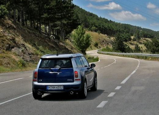 Fiat nuova 500 Vs Mini - Foto 32 di 39
