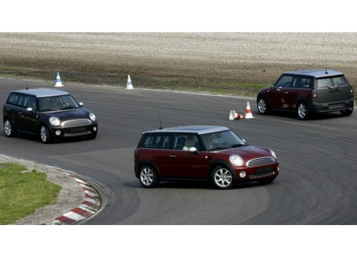 Fiat nuova 500 Vs Mini - Foto 18 di 39