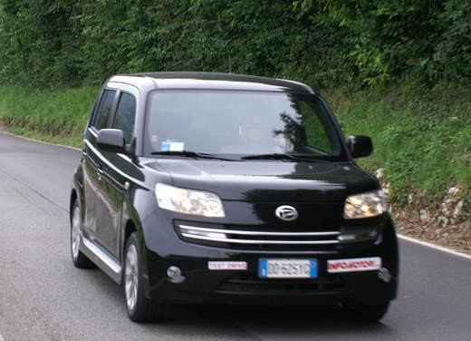 Daihatsu Materia vs Lancia Y Sport MomoDesign - Foto 29 di 31