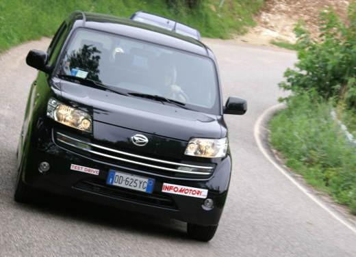 Daihatsu Materia vs Lancia Y Sport MomoDesign - Foto 14 di 31