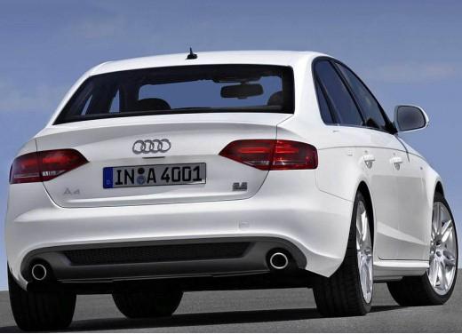 Audi nuova A4, pacchetto S Line per la berlina della casa dei quattro anelli
