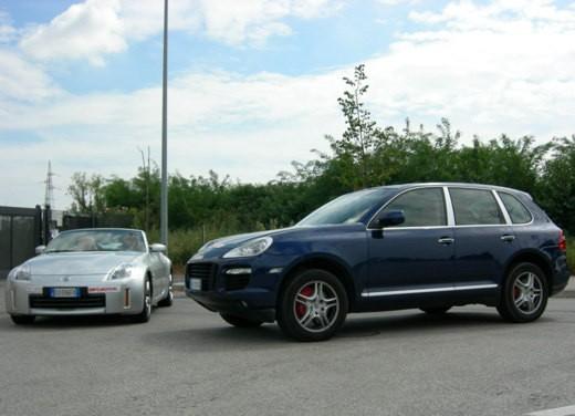 Porsche Cayenne & Nissan 350Z - Foto 10 di 21