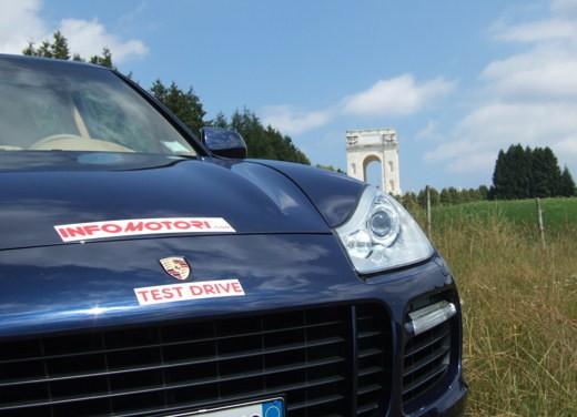 Porsche Cayenne & Nissan 350Z - Foto 19 di 21