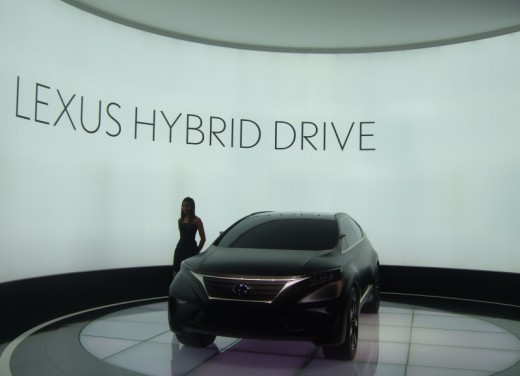 Lexus LF-Xh hybrid Concept - Foto 4 di 10